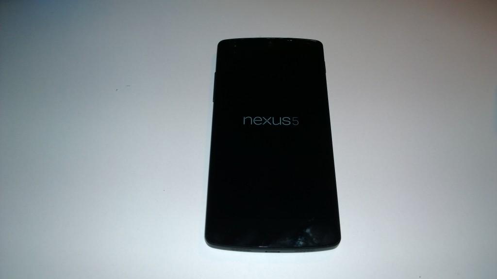 Nexus-5-unbox-3