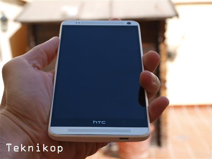 HTC-One-Max--20