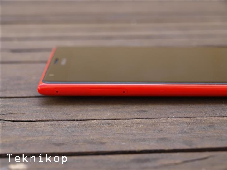 Nokia-Lumia-1520-10