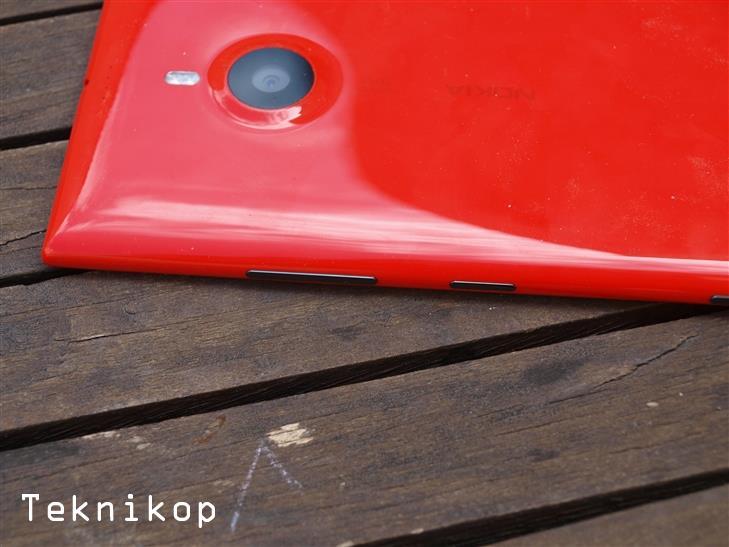 Nokia-Lumia-1520-19