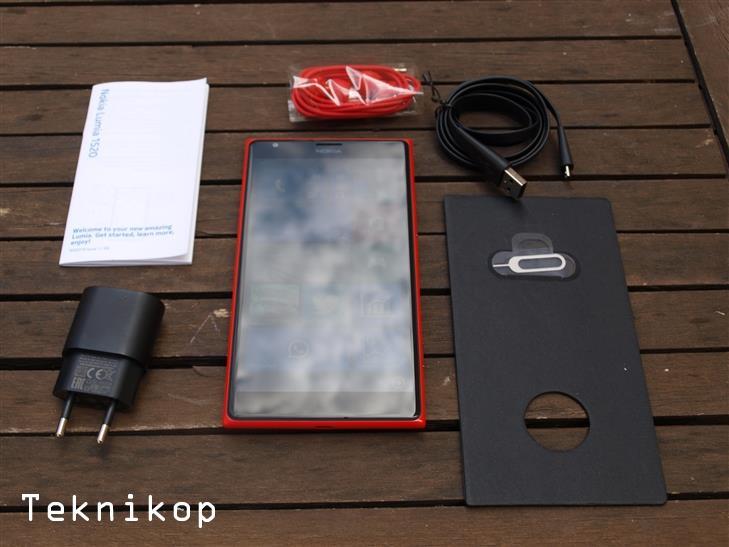 Nokia-Lumia-1520-30