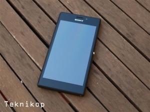 Sony-Xperia-M2-12