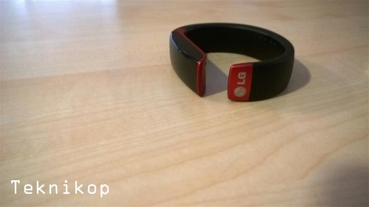 LG-LifbeBand-Touch-29