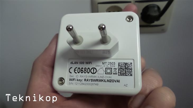 Devolo-dLAN-500-WiFi-Review-5