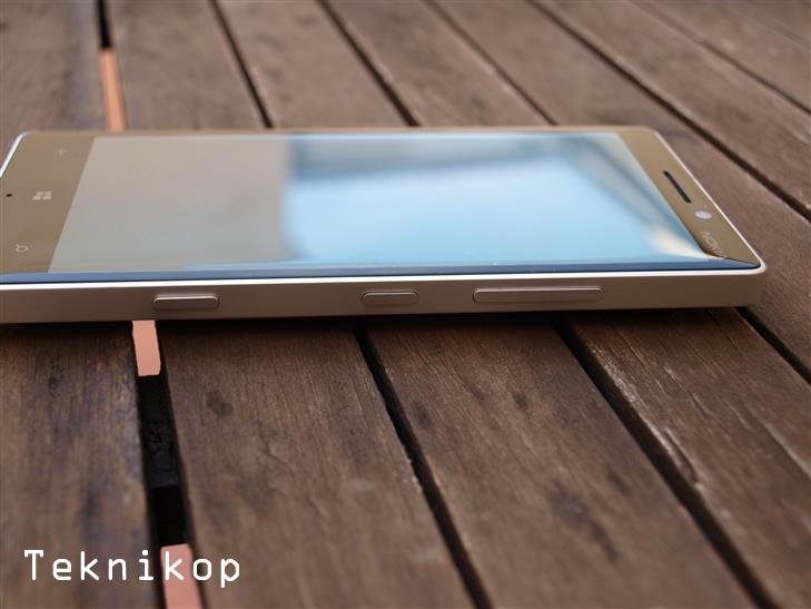 Nokia-Lumia-930-review-3