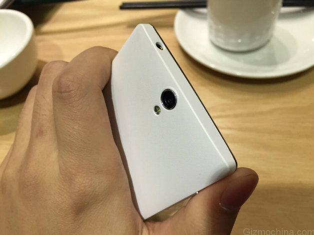 oneplus-one-mini-leaked-photos-2