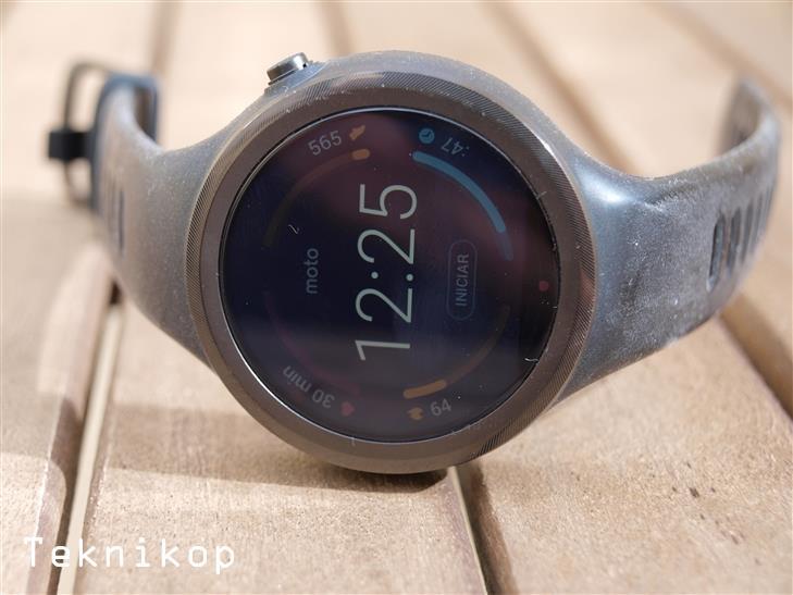 Motorola-Moto-360-Sport-review-1