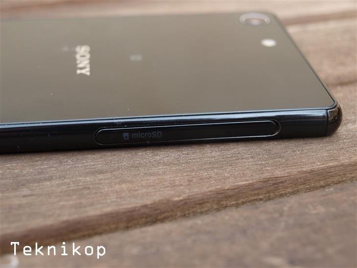 Sony-Xperia-M5-Review-14